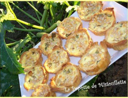 Tartelettes courgettes, chèvre et pignons