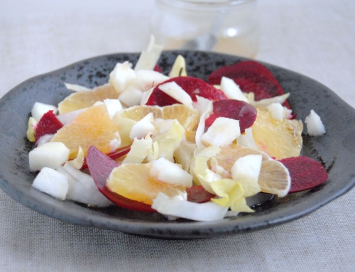 Salade endive, betterave, pomme, orange et vinaigrette au miel