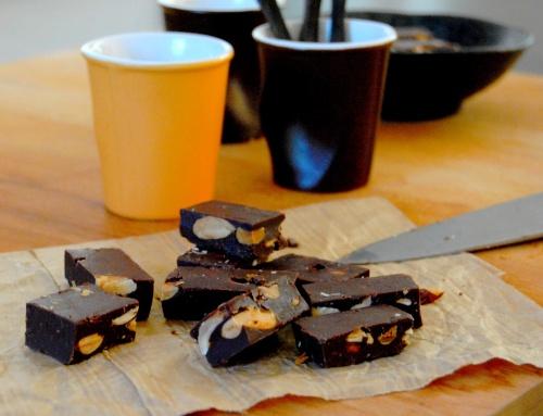 Fudge au chocolat, cacahuète et amande