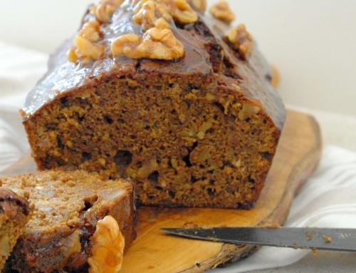 Cake noix, banane et à la mélasse