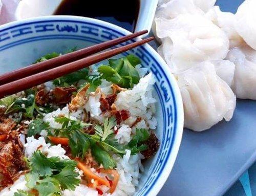 Salade de riz thai aux saveurs asiatiques
