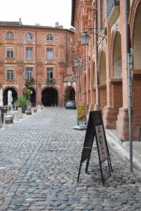 montauban-place-nationale-1