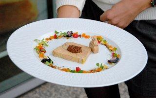 dresser-une-assiette-de-foie-gras
