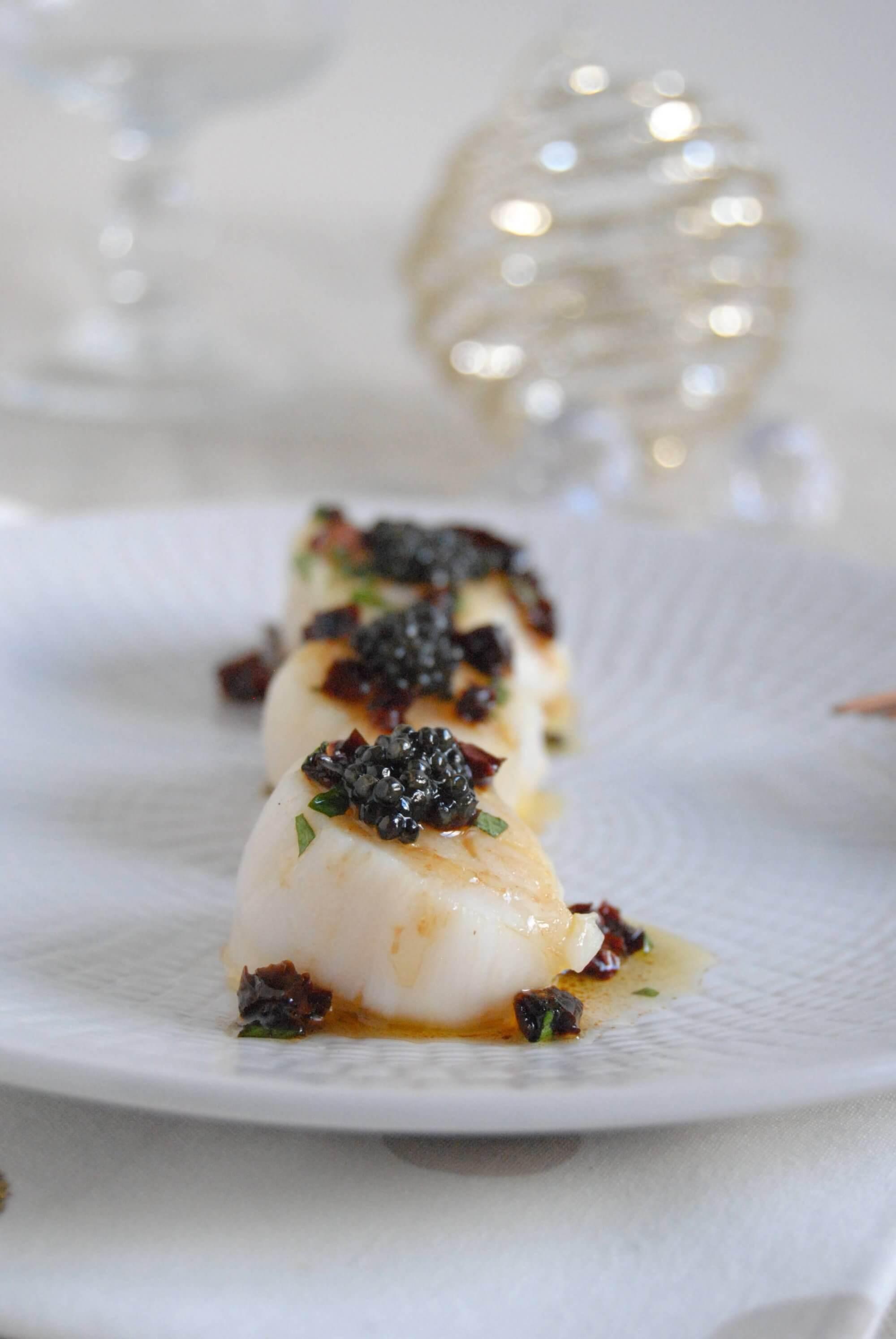 Saint Jacques au caviar De Neuvic et vinaigrette asiatique