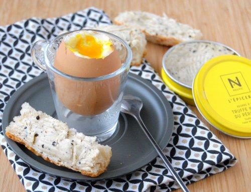 Oeuf à la coque – Mouillettes au beurre à la truffe
