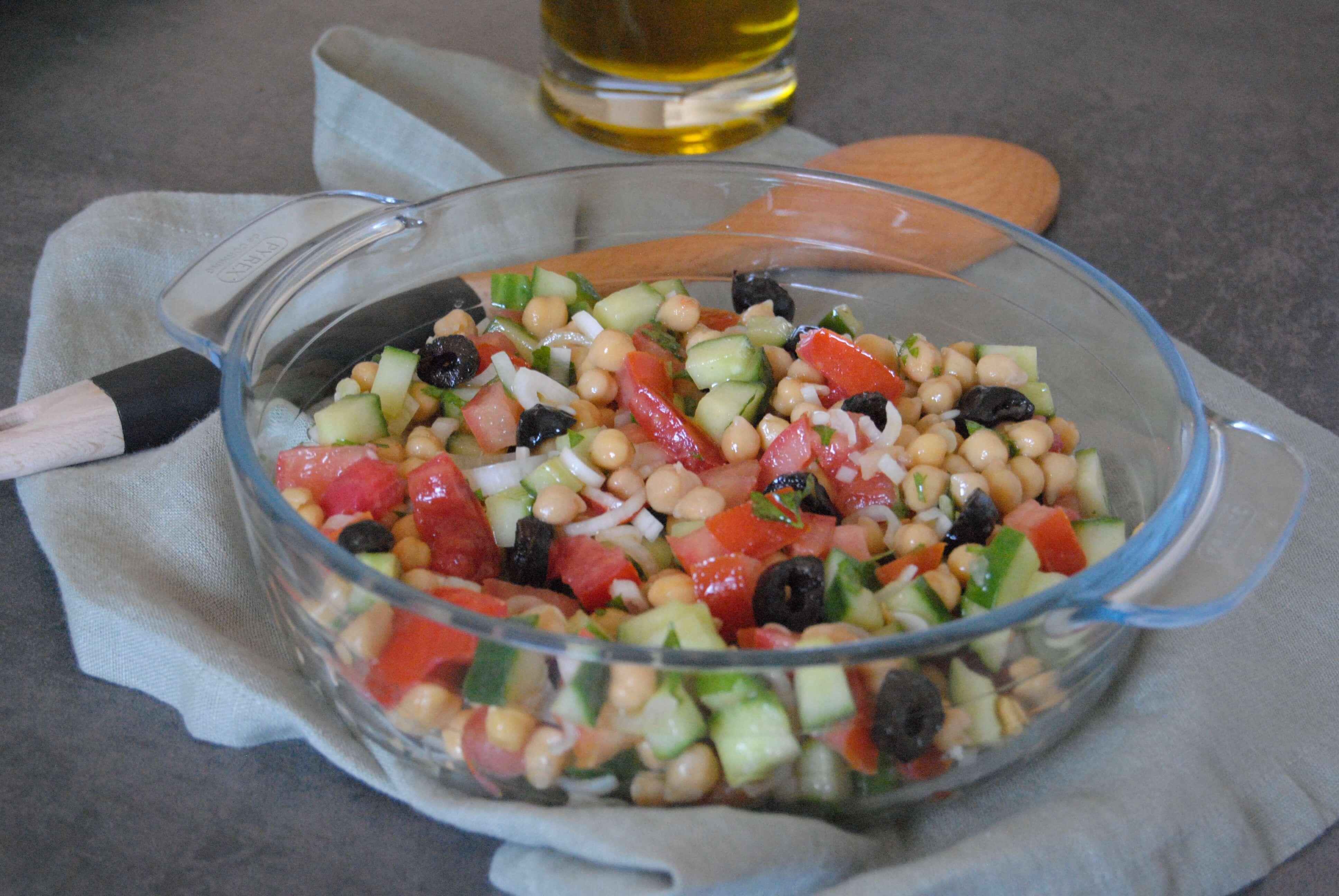salade-pois-chiches-concombre-et-tomate