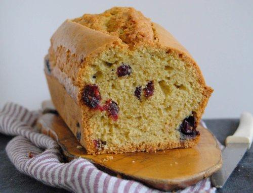 Cake au levain aux myrtilles et aux cranberries